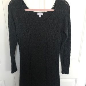 A pea in the Pod Gray Knit wide shoulder sweater